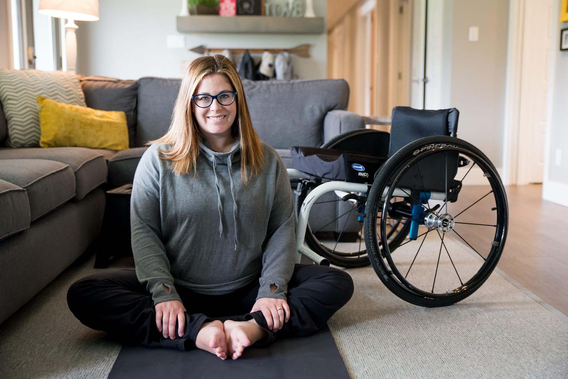 Nurse gives handjob to man in wheelchair